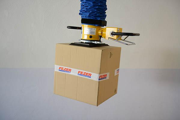 מתקן הרמה בואקום להרמת קופסאות קרטון