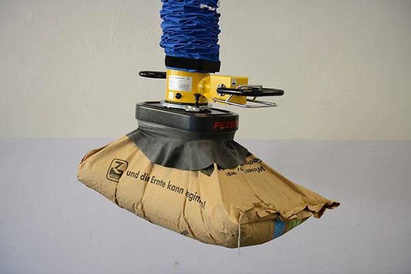 מתקן הרמה בואקום להרמת שקי נייר וניילון